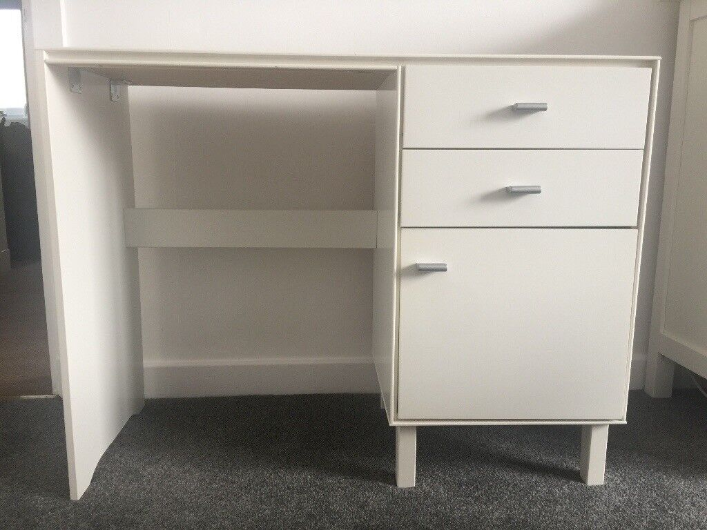 Dressing Table With Detachable Mirror