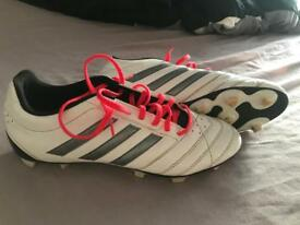 Size 9.5 Adidas football boots