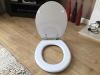 Wood toilet seat, white