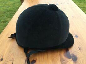 Charles Owen Young Riders Hat Size 6 7/8 (size 56) Horse Pony
