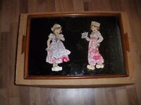 VINTAGE WOODEN TRAY DEPICTING DUTCH BOY AND GIRL