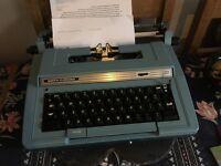 Vintage 90's Smith Corona Electric typewriter