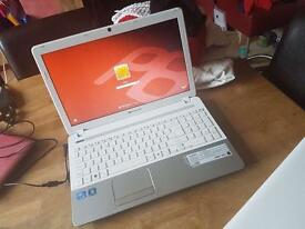 Laptop - Packard Bell EasyNote TS | White & Silver
