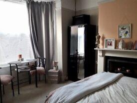 Beautiful Double room - YEOVIL