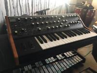 Moog sub 37 + Hard Case.