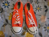 BRIGHT ORANGE CONVERSE SIZE 5 CANVAS LACE UP SHOES AS NEW CONDITION