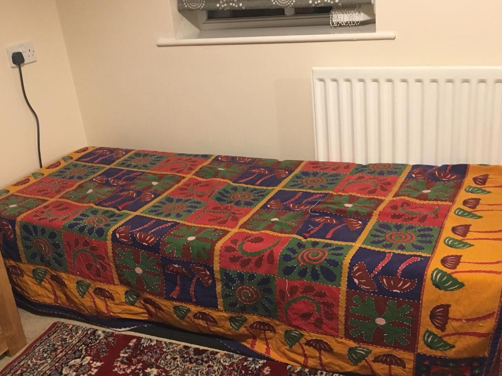 Single bed foldable