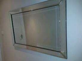 Immaculate glass mirror