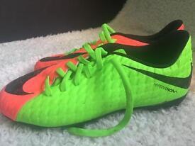 football boots 5.5