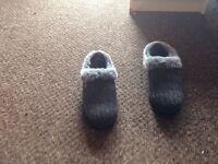 Skechers wool sheepskin slippers brand new
