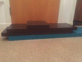 5 Floating shelves - wood effect & turquoise