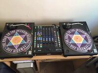 2 Technics decks and 1 Rane mixer - good condition