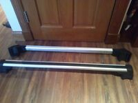 Roof Bars for Mini Countryman complete with all keys. Genuine Mini Accessory. Very Good Condition