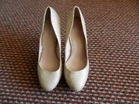 Atmosphere brighting high heels shoes size: 8/42 only onece worn with Tags £15