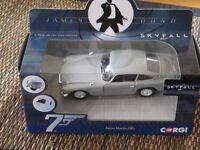 James Bond Aston Martin DB5 1.36 scale