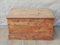 Vintage pine chest box (Delivery)