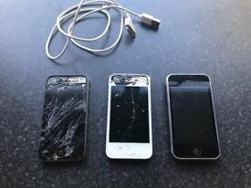2 x iPhone 4s and 1 x iPhone 3