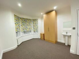 3 Double & 4 Single rooms in same house from £550.Newly refurbished.Ealing W13.All bills inclusive
