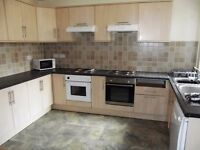 2 x On suit rooms in a 7 bed house foe next Acadmic year in Longford Place, All Bills Included