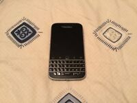 Blackberry Classic 16GB Touchscreen 8MP QWERTY Keyboard