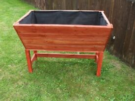 LARGE NEW WOODEN TRUG PLANTER LINED COMES IN 2 PARTS FOR EASY MOVING