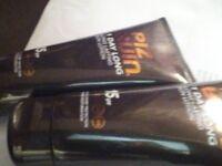 2 x Piz Buin factor 15 sun cream / lotion