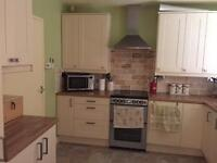 DOUBLE ROOM IN SPACIOUS HOUSE INC BILLS