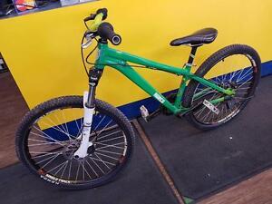 Magnifique vélo de montagne, taille Small de marque Norco, model 125, en super bon état pour seulement 349.99$!! (Z00705