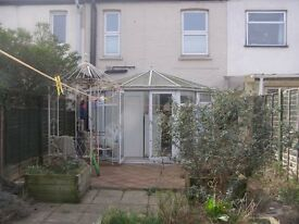 3 BEDROOM HOUSE TO RENT IN EAST HAM. EXCELLENT CONDITION. VERY MODERN. PROPERTY IS A MUST SEE!!