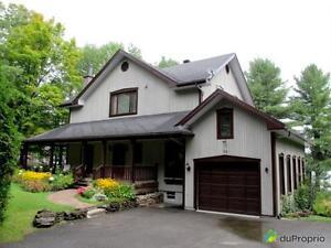 575 000$ - Maison 2 étages à vendre à St-Hippolyte