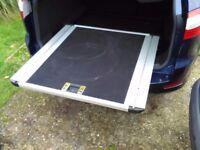 Ford Mondeo mk4 estate sliding boot tray.
