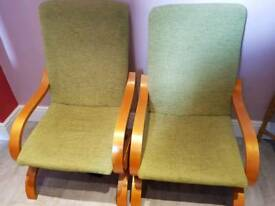 2 Chairs in green and oak