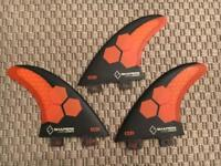 SHAPERS CARBON STEALTH SURFBOARD FINS