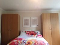 Huge double room in between Angel and Kings Cross 2 min from Regents Canal