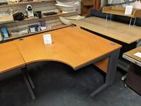 CORNER DESK - OFFICE QUALITY - IDEAL FOR HOME OFFICE