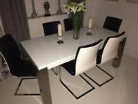 High gloss chunky dinning table with 6 chairs