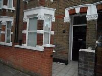 BEAUTIFUL 4 BED HOUSE ON BERYL ROAD, HAMMERSMITH, IDEAL FOR STUDENTS, £700PW, AVAILABLE 1ST AUGUST