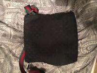 Gucci men's Bag *Ahuentic*