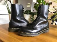 Doc Martins 1490 smooth - Size 8 black