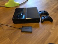 £230 Xbox one 500gb plus 500g external harddrive and 10 games