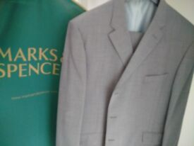 Marks & Spence Mens Grey Wool Suit (Worn Once)
