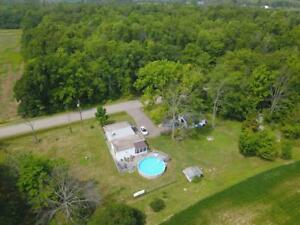 2320 POINT ABINO Road N Fort Erie, Ontario