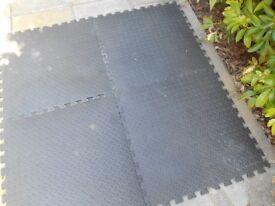 Interlocking Floor Mat Tiles