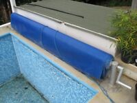 Swimming Pool heat cover and hand crank roller