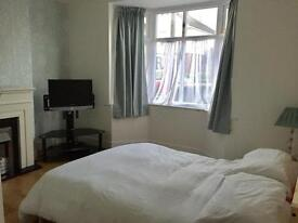 Double Room to Let in Winton