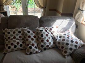 4x pillows