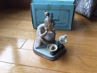 Lladro Retired Figurine #5474 How You've Grown Girl With Cat Kitten and Scale