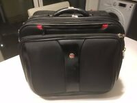 Wenger overnight business bag with 4 compartments - 9.5in x 16in x 13.5in. only used a few times