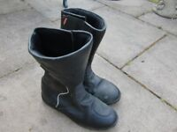 Lewis motorbike boots size 7 . good condition