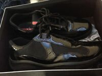 Pradas trainers sneakers